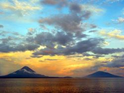 Ometepe Isle in Lake Nicaragua. Popular tourist destination. Picture taken by Jose Carlos Manuel Hugo, Enero 2005