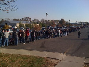 Ohio 2008. By Dean Beeler (Line after voting  Uploaded by Petronas) [CC-BY-2.0] via Wikimedia Commons