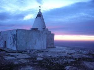 Yazidi temple, Sinjar. Photo by Danpanic77 via Wikimedia Commons