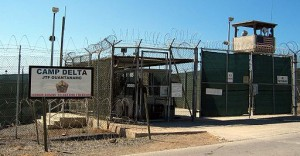 Camp Delta, Guantanamo Bay. Photo by Kathleen T. Rhem [Public domain], via Wikimedia Commons