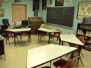 Special education classroom in Monroe County Intermediate District. Photo by User:Notorious4life (Author Transferred from en.wikipedia) [Public domain], via Wikimedia Commons