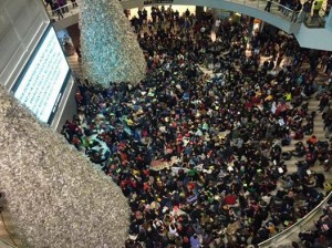 Over 3000 protesters gathered in the Mall of America Saturday in support of the BlackLivesMatter movement. Image via Facebook.