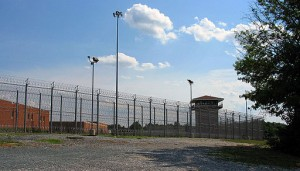Jessup State Prison, Maryland. Photo by thisisbossi from Washington, DC, USA [CC BY-SA 2.0] via Wikimedia Commons