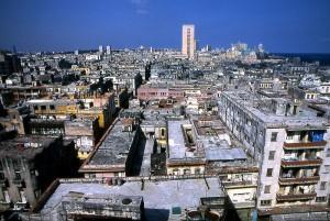 Central Havana. Photo by Henryk Kotowski.[CC by 2.5] via Wikimedia Commons