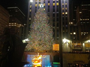 Rockefeller Center Christmas tree. Photo by Ashoka Jegroo (Own work) [CC-BY-SA-3.0], via Wikimedia Commons