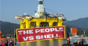 All eyes are on Seattle this weekend as activists fight Shell's dirty Arctic plans. (Photo: Greenpeace via Twitter)