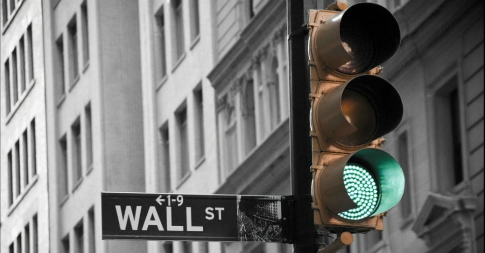 Despite Dodd-Frank's stated goal of reining in reckless banking, Washington, D.C. regulators keep giving Wall Street the green light. (Photo: GLing526/flickr/cc)