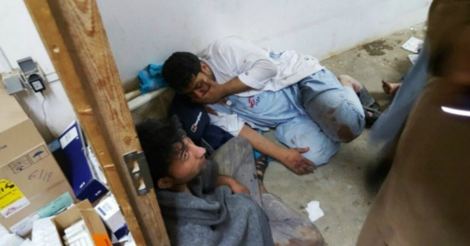 Médecins Sans Frontières doctors huddle for safety amid bombings on their hospital in Kunduz, Afghanistan. (Screenshot)