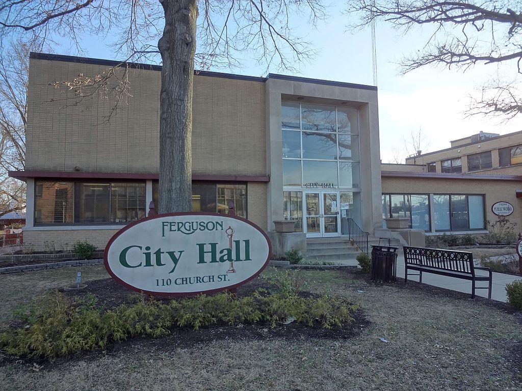 Photo: Paul Sableman (Ferguson City Hall) [CC BY 2.0], via Wikimedia Commons