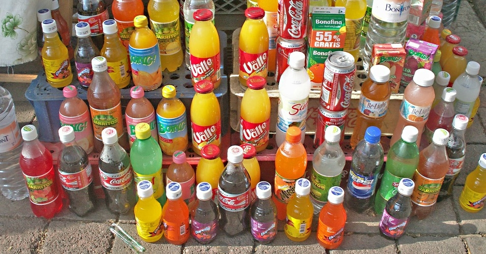Mexico has been successfully sued by a consortium of U.S.-based agribusiness giants, after introducing a new tax on the sales of soft drinks containing high-fructose corn syrup in an effort to counter the obesity epidemic. (Photo: Hernán García Crespo/flickr/cc)