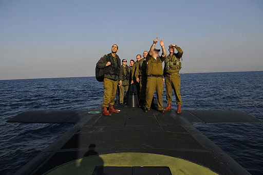 Israeli soldiers standing on a Dolphin-class submarine. Photo: Israel Defense Forces (The Chief of Staff Tours Israel's Naval Bases) [CC BY-SA 2.0], via Wikimedia Commons