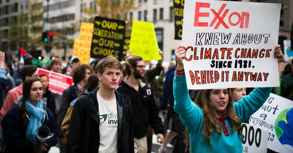 """The lawsuit """"aims to hold ExxonMobil accountable for decades of dishonesty."""" (Photo: Johnny Silvercloud/flickr/cc)"""