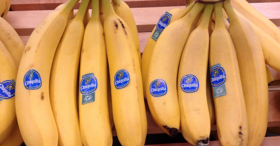 """Chiquita poured $1.7 million between 1997 and 2004 into the outlawed far-right paramilitary group AUC,"" observed TeleSur, ""which operated as a death squad in Colombia."" (Photo: Mike Mozart/flickr/cc)"