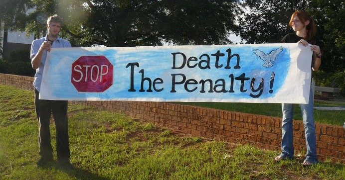 Texas is about to execute Jeffery Wood for a murder he didn't commit. (Photo: Kurt and Sybilla/flickr/cc)