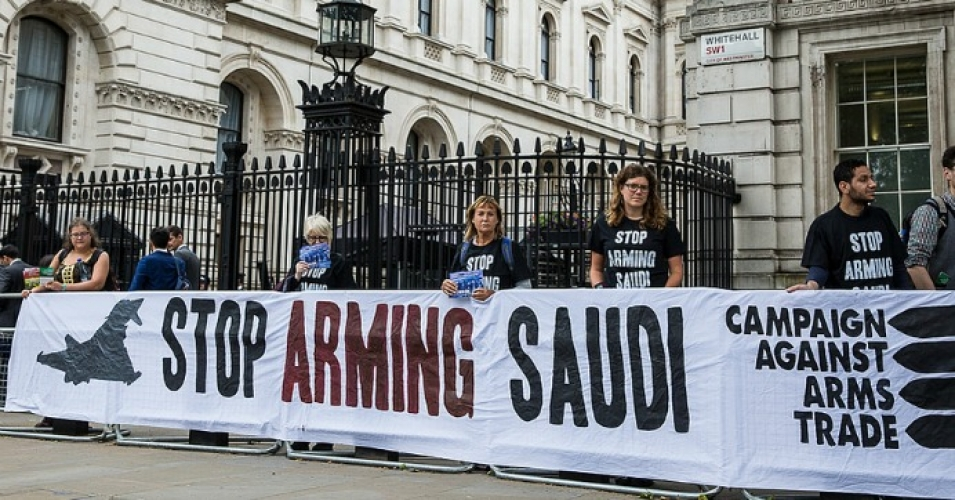 Human rights campaigners protest against arms sales to Saudi Arabia used in human rights abuses in Yemen outside Downing Street on July 11, 2016. (Photo: Campaign Against Arms Trade/flickr/cc)
