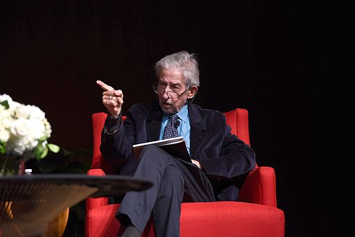 Tom Hayden at the LBJ Library 2016. Photo: Godwin [Public domain], via Wikimedia Commons