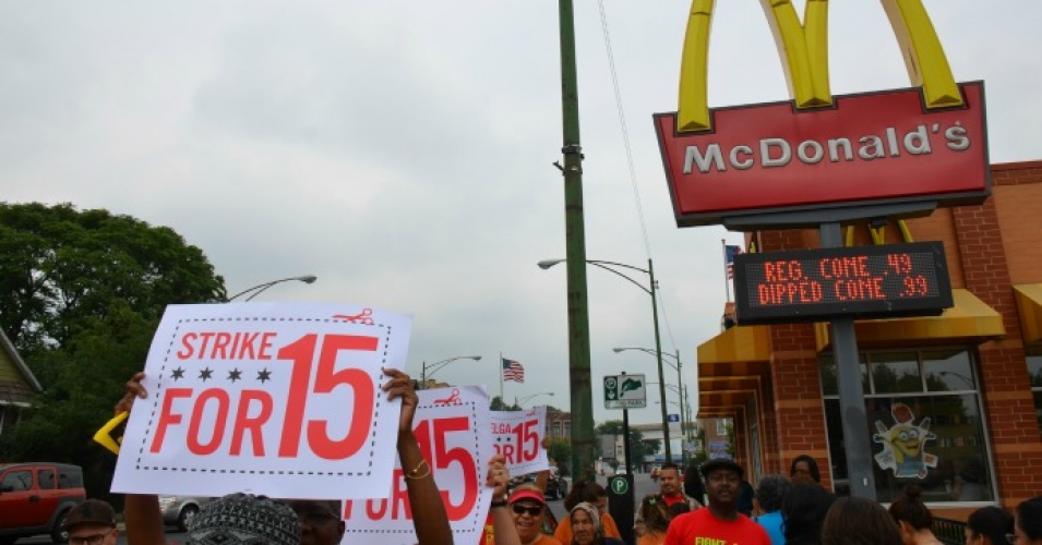 McDonald's workers strike for fair wages. (Photo: Steve Rhodes/cc/flickr)